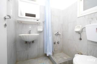 accommodation galini bungalows bathroom