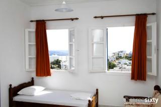 accommodation galini bungalows bed