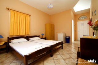 accommodation galini bungalows bedroom