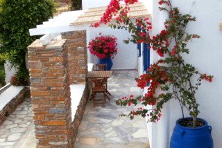 accommodation galini bungalows garden