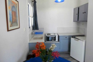 accommodation galini bungalows kitchenette