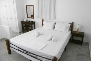 accommodation galini kionia bed