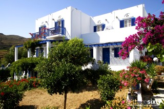 galini bungalows on tinos island